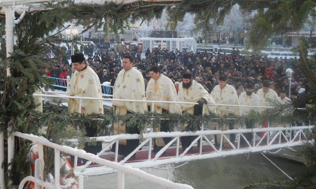 Mii de tulceni, aşteptaţi să participe la slujba de Bobotează de pe faleză
