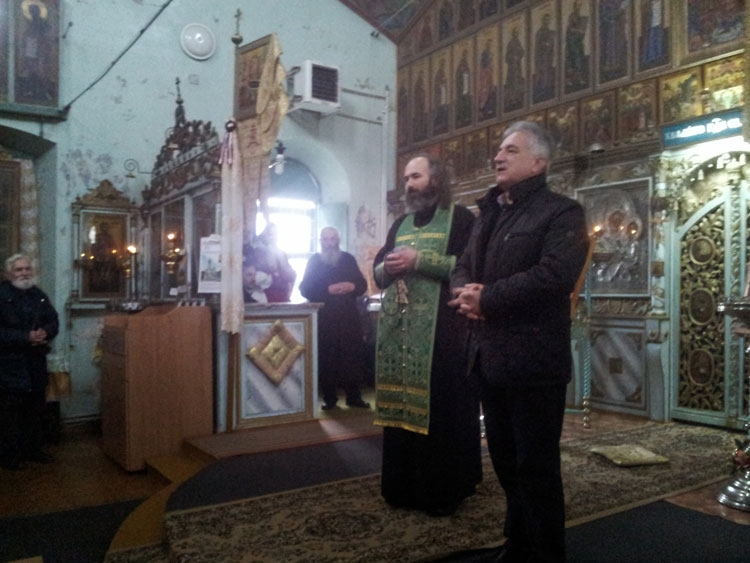 Primarul Hogea în vizită la bisericile de rit vechi