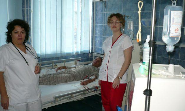 Puțini dintre tulcenii care fac dializă sunt pe listele de așteptare pentru un rinichi