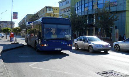 Abonamentul lunar de 80 de lei pe trei trasee din municipiu