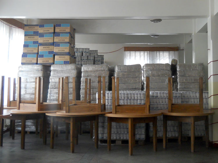 Alimentele gratuite de la U.E. neridicate