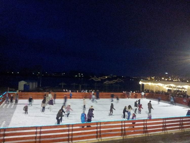 Încasări record la patinoarul din Parcul Ciuperca