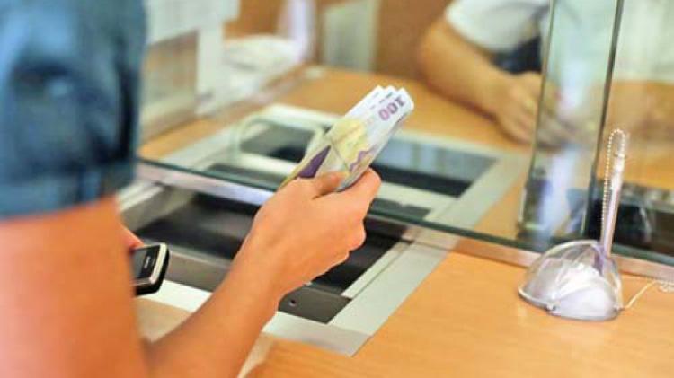 Cum au evoluat restanțele tulcenilor la bănci