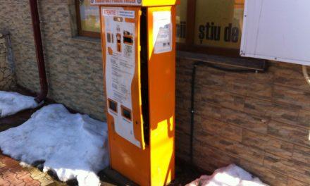 Au luat la pumni şi picioare automatele de bilete din municipiu