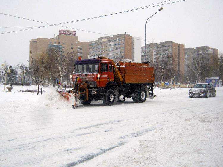 Deszăpezirea municipiului a costat peste 5 miliarde de lei vechi