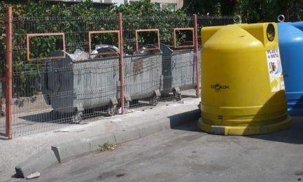 Municipalitatea nu dispune de suficiente recipiente pentru sticlă