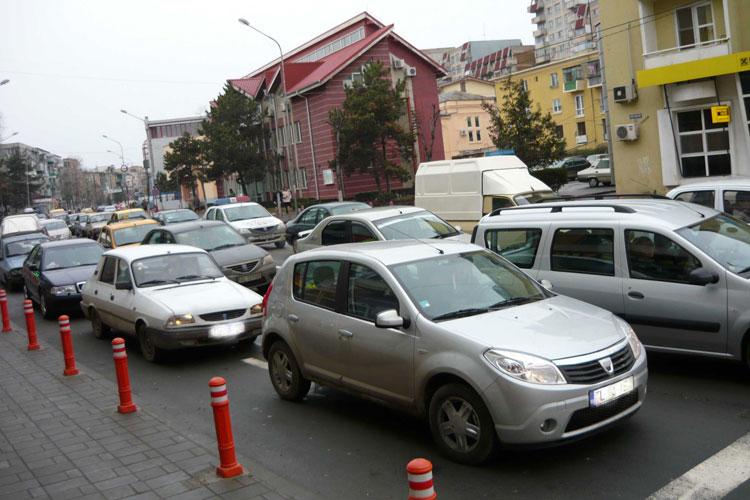 Peste 1000 tulceni îşi pot recupera banii pe taxa auto