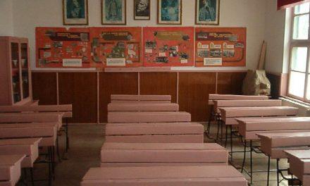 Scăderea natalităţii trimite profesori acasă