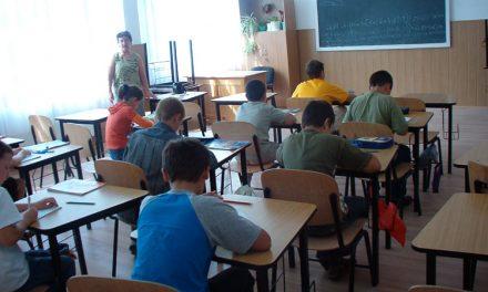 """"""" Şcoala Altfel! """" nu mai este la fel: elevii sunt trimişi la ore"""