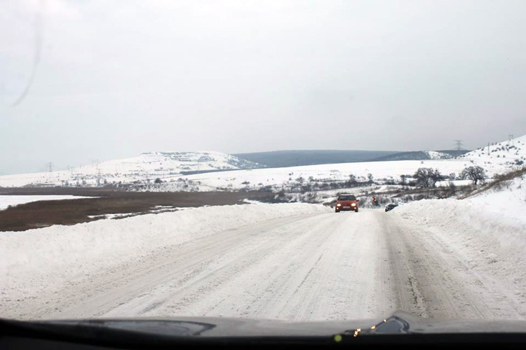 Toate drumurile naţionale au fost desfundate, 9 şosele judeţene – încă închise