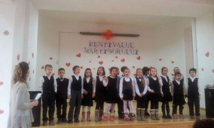 Copiii tulceni au întâmpinat primăvara pe scenă