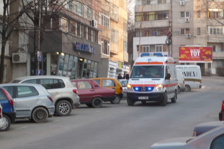 Doctoriţă de familie din Tulcea, atacată de o bunică