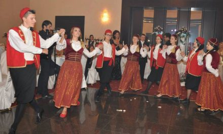 Spectacol artistic dedicat Zilei Naţionale a Greciei