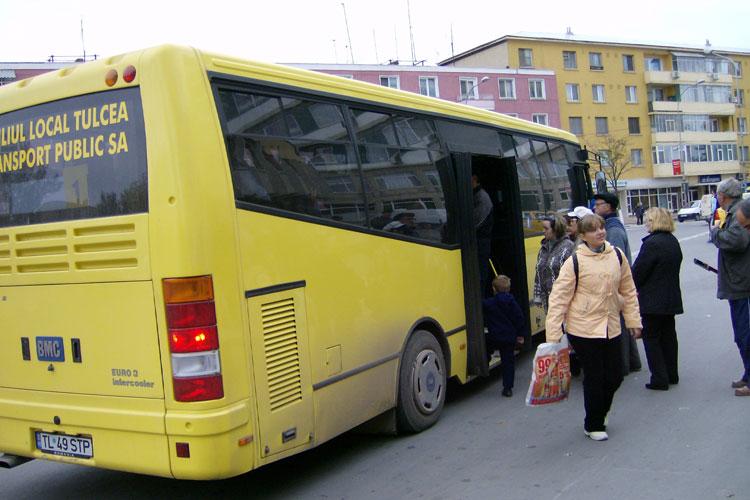 Transport public local gratuit pentru doamne şi domnişoare, de 8 martie