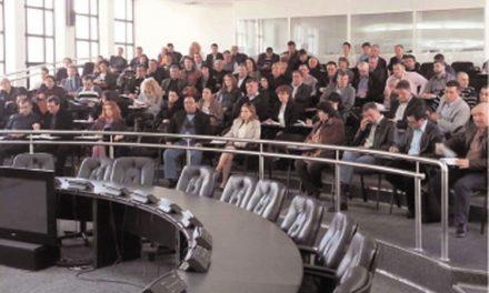 Primarii şi secretarii din judeţ, la instruire în vederea scrutinului din 25 mai