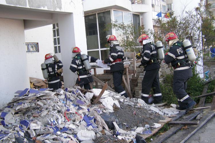 Pompierii vor simula izbucnirea unui incendiu la Hotelul Delta