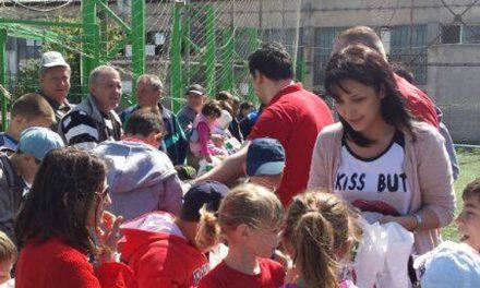 Cadouri dulci pentru copiii tulceni, de la tineri social-democraţi