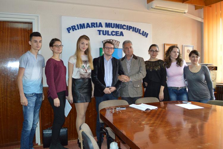 """Centrul EUdivers, la ultimul proiect finanţatprin programul """"Tineret în acţiune"""""""