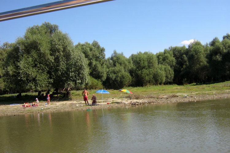 Doar cinci locuri de campare sunt autorizate în Deltă