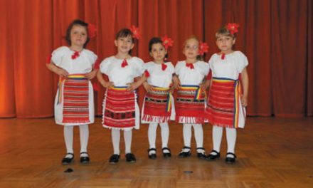 """"""" Muguraşii din Cataloi """", locul al II-lea la Festivalul judeţean de folclor"""
