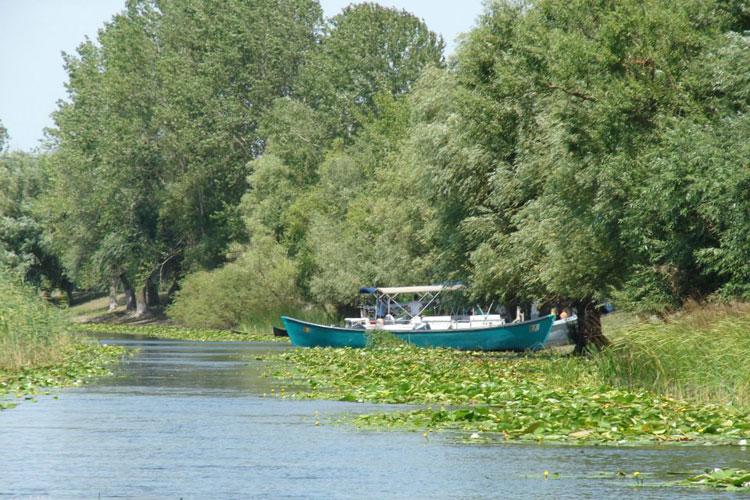 Operatorii turistici tulceni i-au pregătit Prinţului Charles un sejur regal în deltă