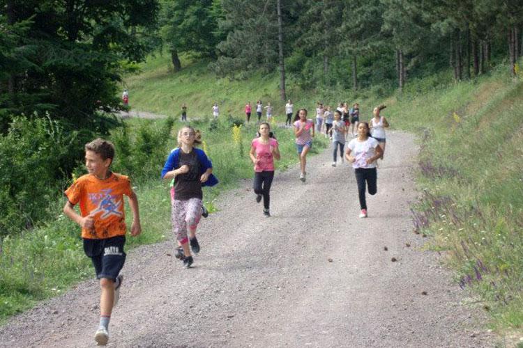 Poftiţi la mişcare în aer liber: maraton şi concurs de mountain bike, în Munţii Măcinului