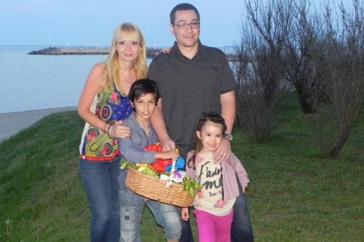 Victor Ponta va lua Lumina Sfântă la Tulcea
