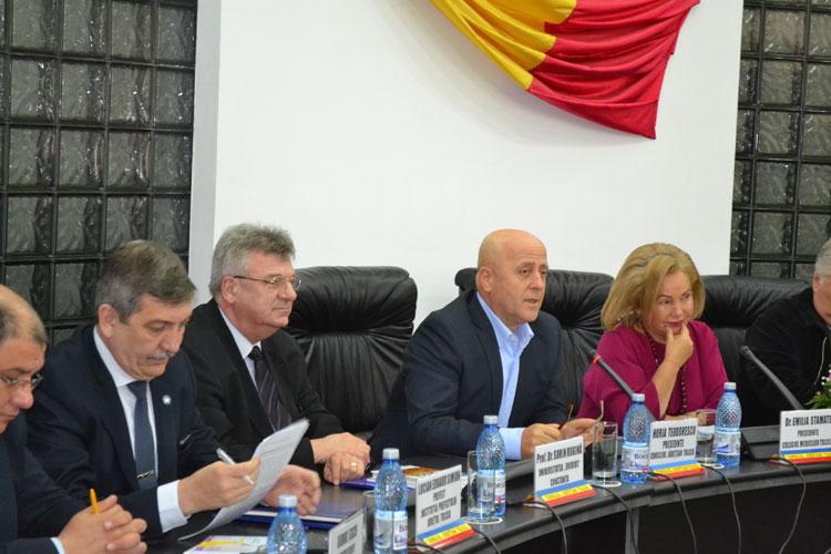 Horia Teodorescu: Sperăm ca până la finalul anului viitor să fie gata locuinţele pentru medici