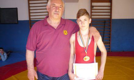Călin Gabriel, trei titluri de campion naţionalla lupte într-un an