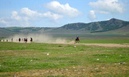 Cerna a deschis sezonul turistic în Munţii Măcinului