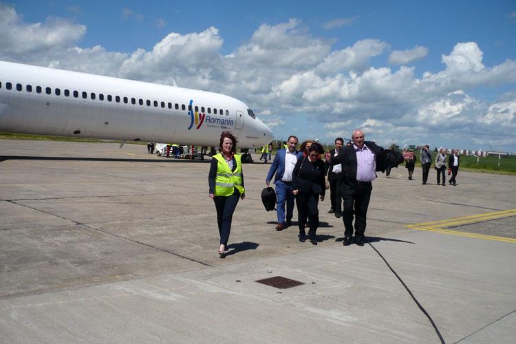 După 21 de ani, ieri a fost operat primul zbor regulat Bucureşti – Tulcea