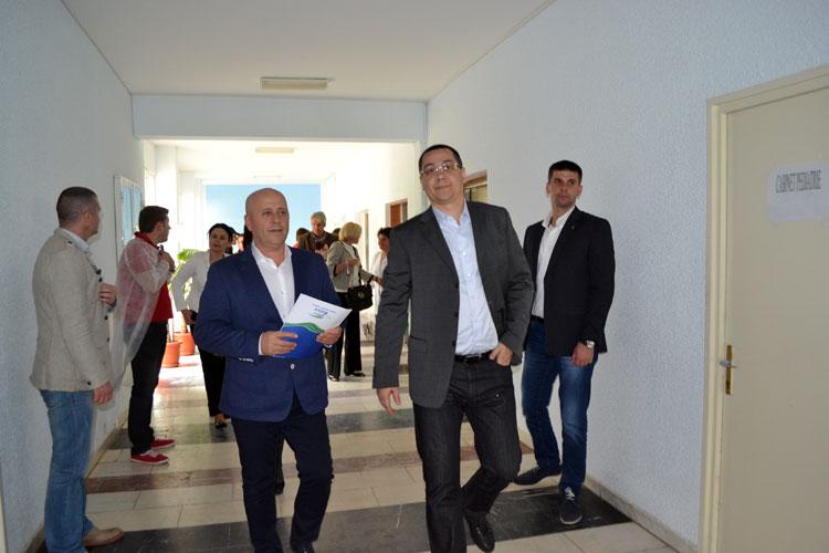 Premierul Victor Ponta promite investiţii de sute de milioane de euro pentru judeţul Tulcea