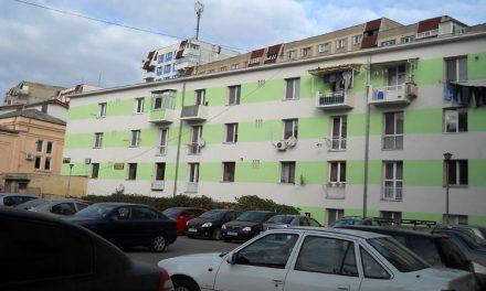 Bani pentru blocurile cu risc seismic şi împădurirea terenurilor de la periferia oraşului