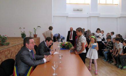 Cultura prin lectură, adusă în cinci sate tulcenede Principele Nicolae al României