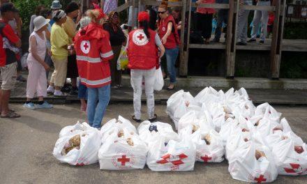 """Persoanele nevoiaşe din Sulina, primii beneficiari din judeţ ai """"Băncii de Alimente"""""""