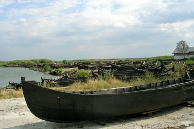 Pescarii din Jurilovca nu mai vor prohibiţie pe Lacul Razelm