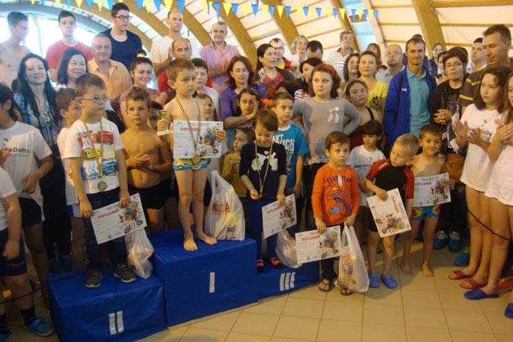 Selecţie pentru competiţiile naţionale de nataţie la Bazinul de la Ciuperca