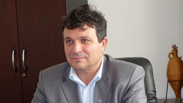Senatorul Motoc candidează la un post de vicepreşedinte în conducerea naţională a PNL