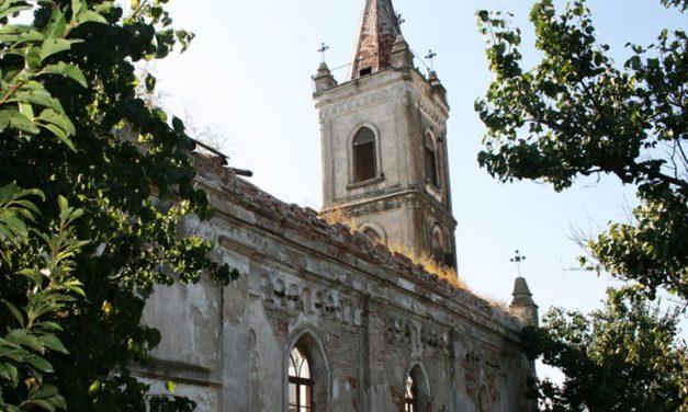 Biserica deschisă din Malcoci aşteaptă finanţare