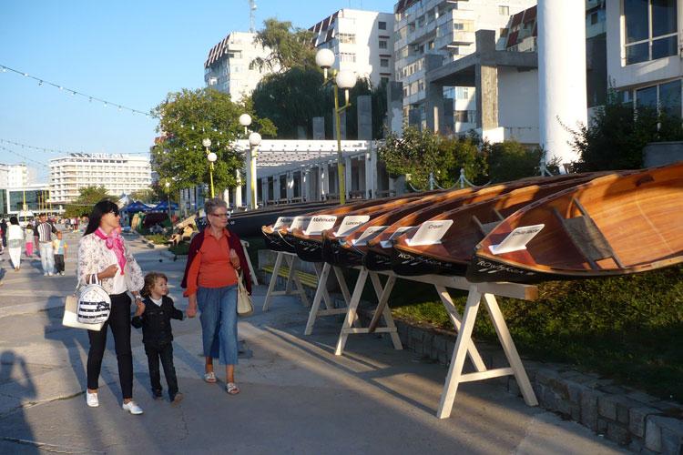 Canotca lui Ivan Patzaichin ar putea fi amplasată la intrarea în municipiu dinspre Constanţa