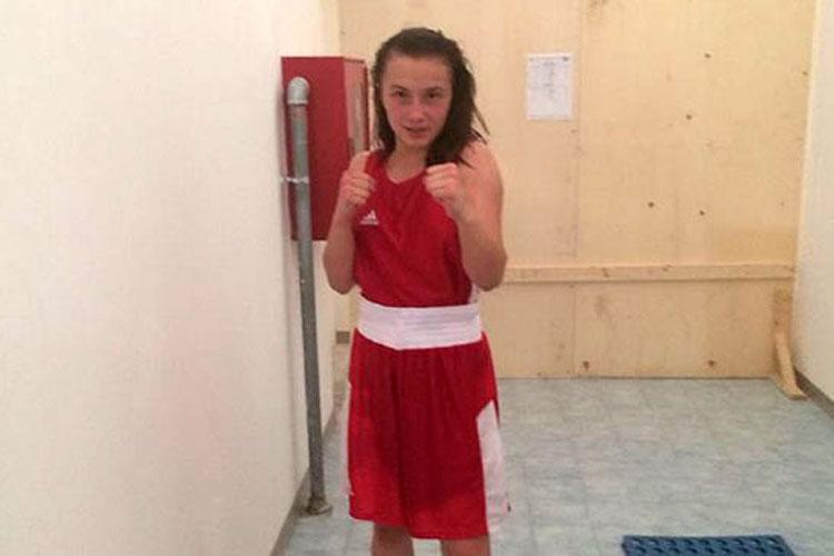 Tulceanca Elena Timofte, în semifinale la Campionatul European de box