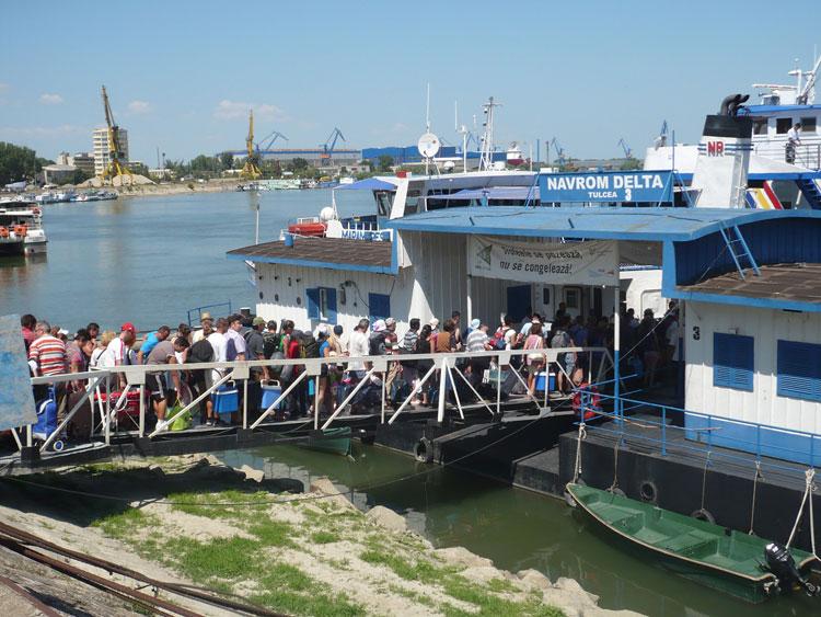 Navrom suspendă toate cursele suplimentare spre localităţile din deltă