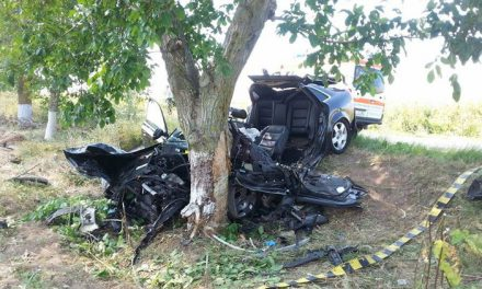 """Tânăr teribilist, mort în timp ce """"zbura"""" pe şosea cu 120 km/h"""