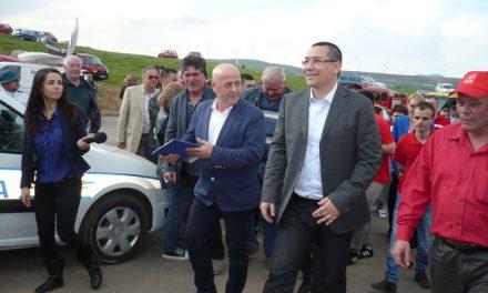Astăzi, Unsprezece primari tulceni vor primi de la Ponta şi Dragnea cheile noilor microbuze şcolare