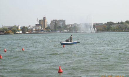Braconaj pe lacul Ciuperca: plase de 220 metri, scoase din apă de poliţiştii locali!
