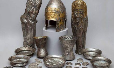 Podoabe de aur descoperite în siturile arheologice din Tulcea, expuse la Muzeul de la Satu Mare