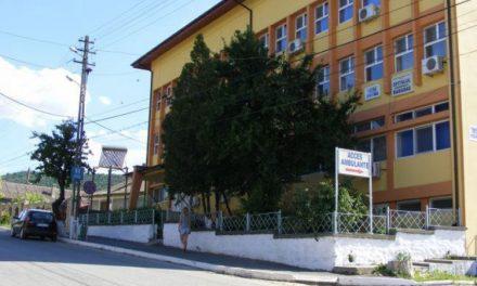 S-a săturat să mai aştepte Primarul  Caraman nu mai vrea să dea spitalul Poliţiei