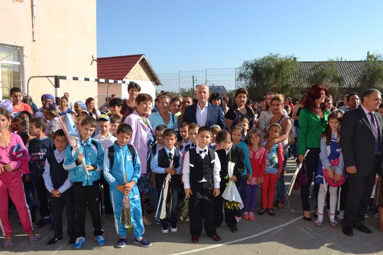 """Şcoala gimnazială """"Constantin  Brâncoveanu"""" din Babadag, o jumătate de secol de existenţă!"""