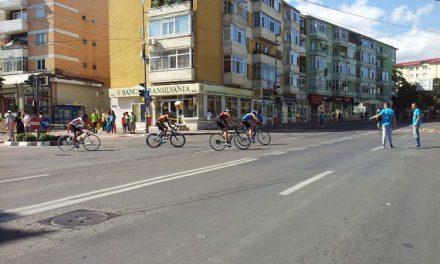 Cei mai buni triathlonişti din ţară au venit să concureze la Tulcea