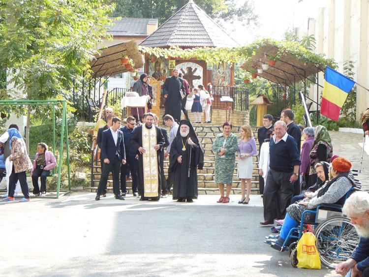 Bunicii noştri, sărbătoriţi de autorităţi cu ocazia Zilei Internaţionale a Vârstnicilor